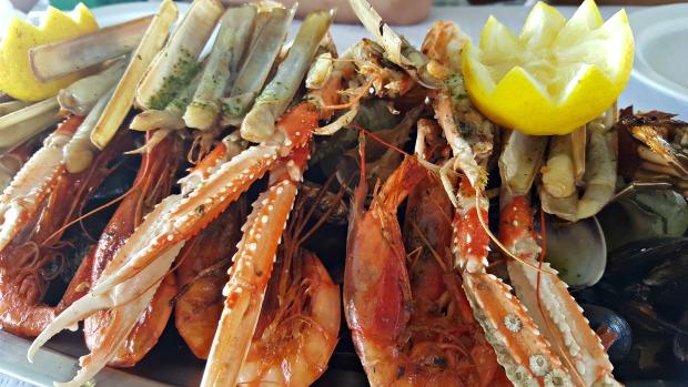 El xiringuito de la costa gastronom a en medio del delta for Entrantes tipicos franceses