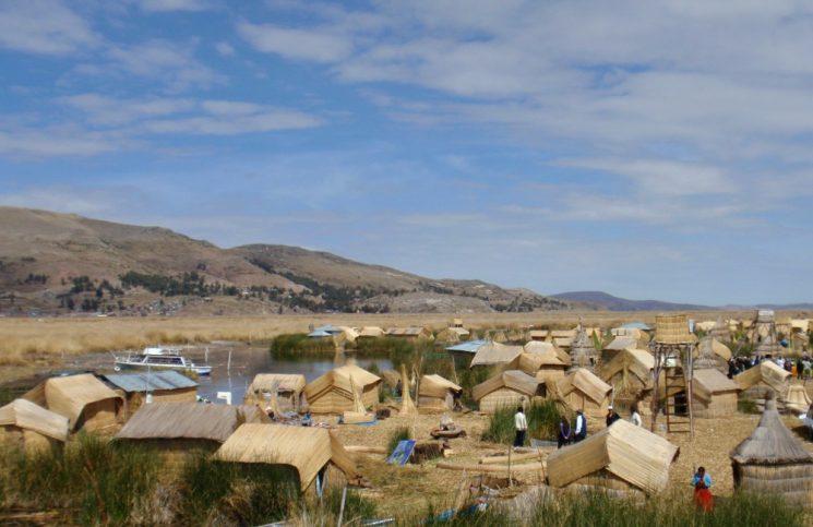 Excursión de un día por el titicaca desde Puno