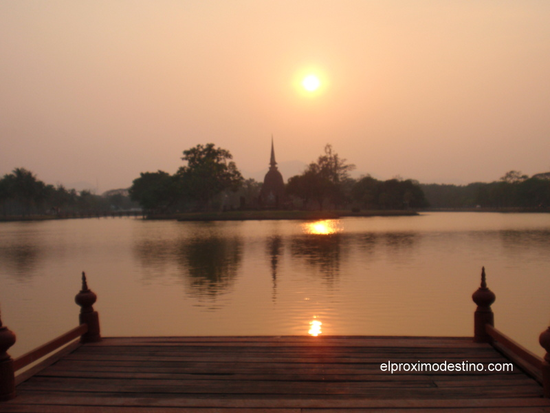 Atardecer en Sukhothai