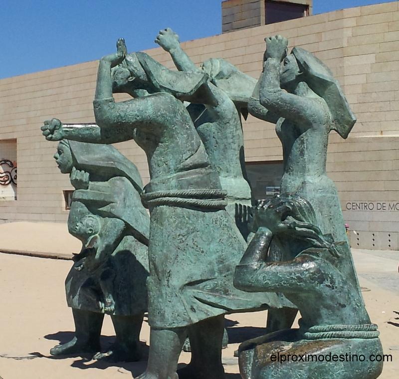 Estatuas en la playa de Matosinhos