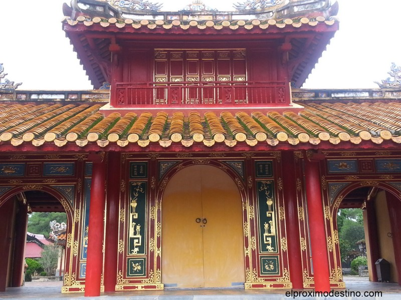 Puerta Dai Hon Mong en la tumba Minh Mang