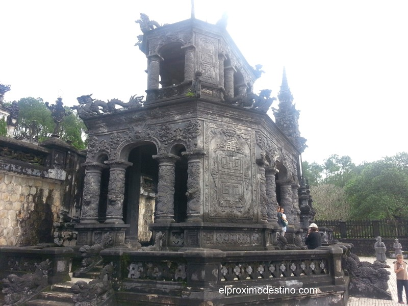 Tumba Khai Dinh