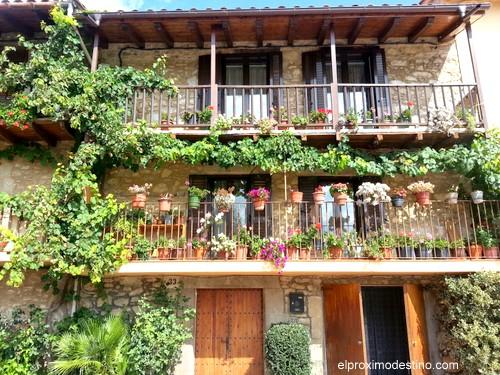 Típicas casas en Hostalets d`en Bas.