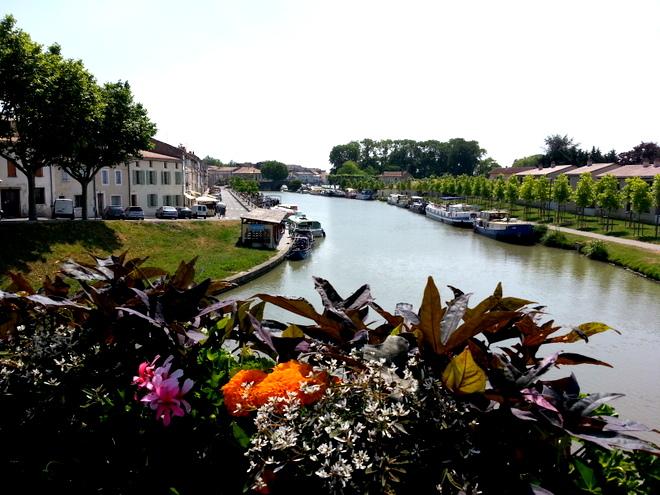 Vistas del Canal du Midi desde Castelnaudary