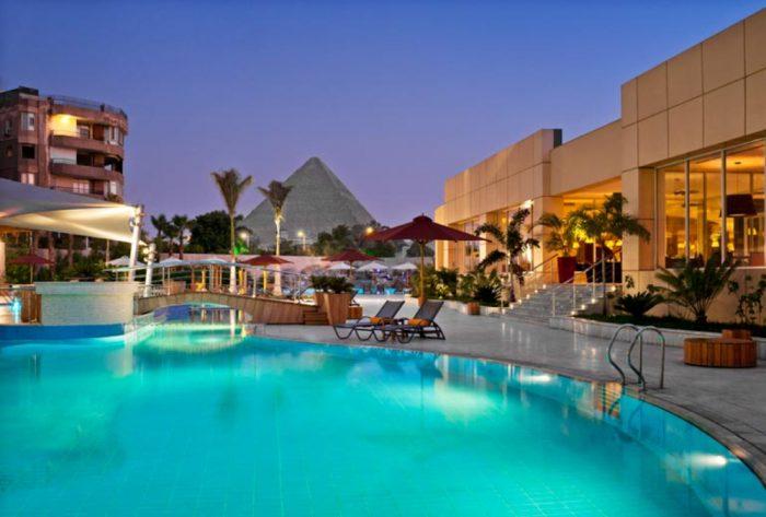 mejor hotel en el cairo con vistas a las piramides
