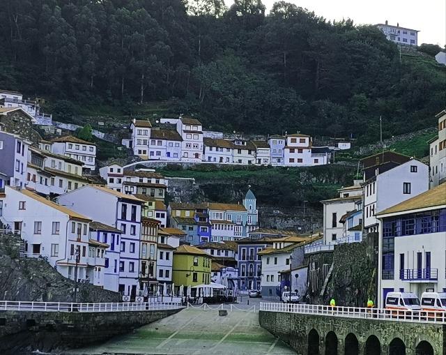 pueblos mas bonitos de asturias: cudillero